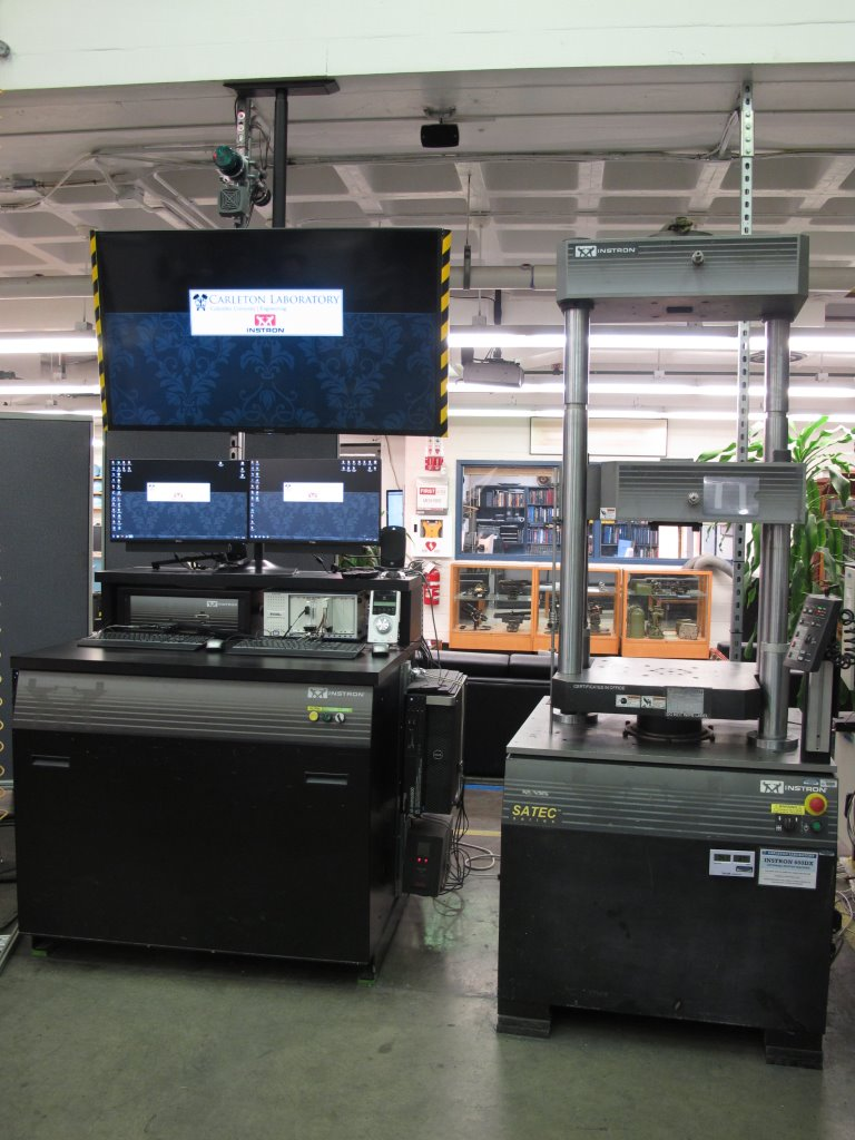 Instron 600DX test frame controller and teaching station.
